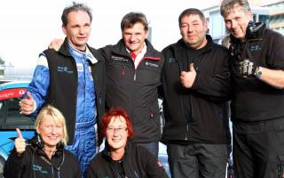 STT Meister Ulrich Becker mit seinem Team