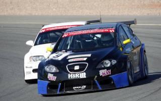 Jürgen Gerspacher (Seat Leon) gewinnt Division 2 Wertung im ersten Rennen
