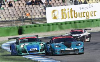 Das Titelrennen zwischen Bender und Becker ist weiter offen