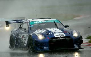 Tobias Schulze schwamm zum ersten Nissan-Sieg in der STT