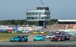 Einführungsrunde zum zweiten STT Rennen am Sonntag